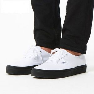 NWT VANS Authentic Black Outsole White W AUTHENTIC